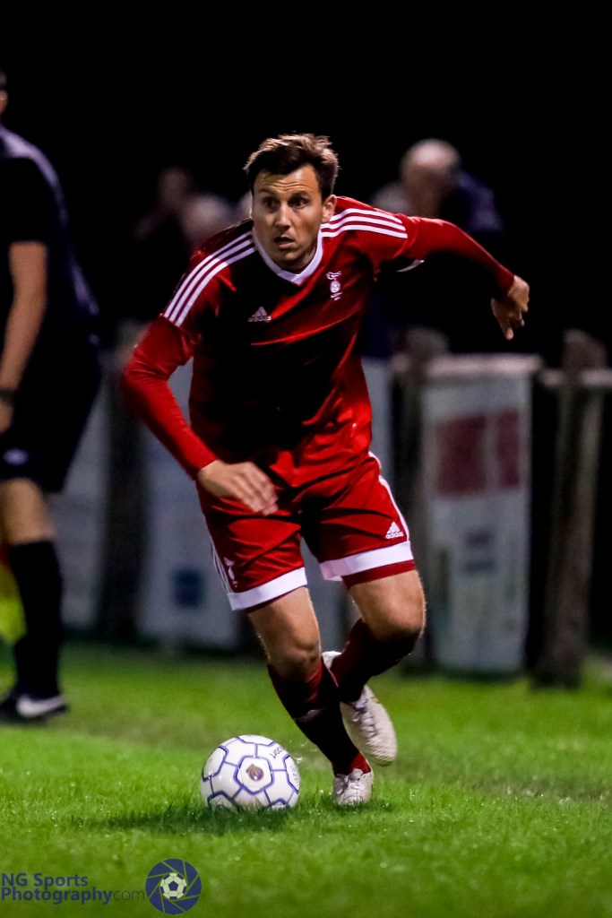 Carl Withers for Bracknell Town FC. Photo: Neil Graham.