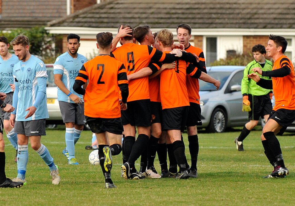 Wokingham & Emmbrook plan Hellenic League stay