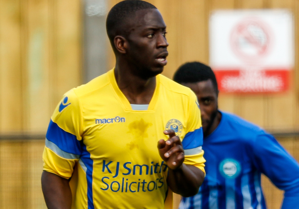Woodley United retain Kamara and Horscroft for the Hellenic Premier campaign