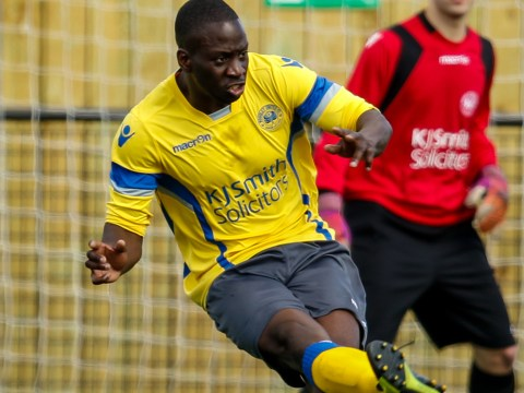 Woodley United defender heads to Bostik League Marlow