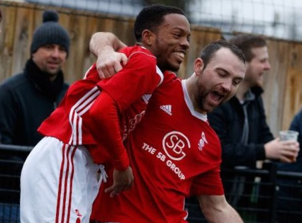 Report: Dominant Bracknell Town easily defeat Hellenic League leaders Highworth Town