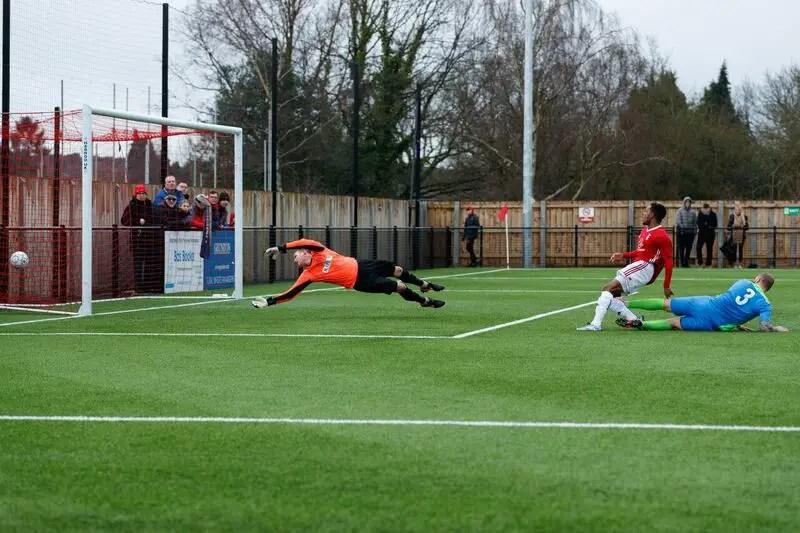 Kensley Maloney scores for Bracknell Town. Photo: Richard Claypole.