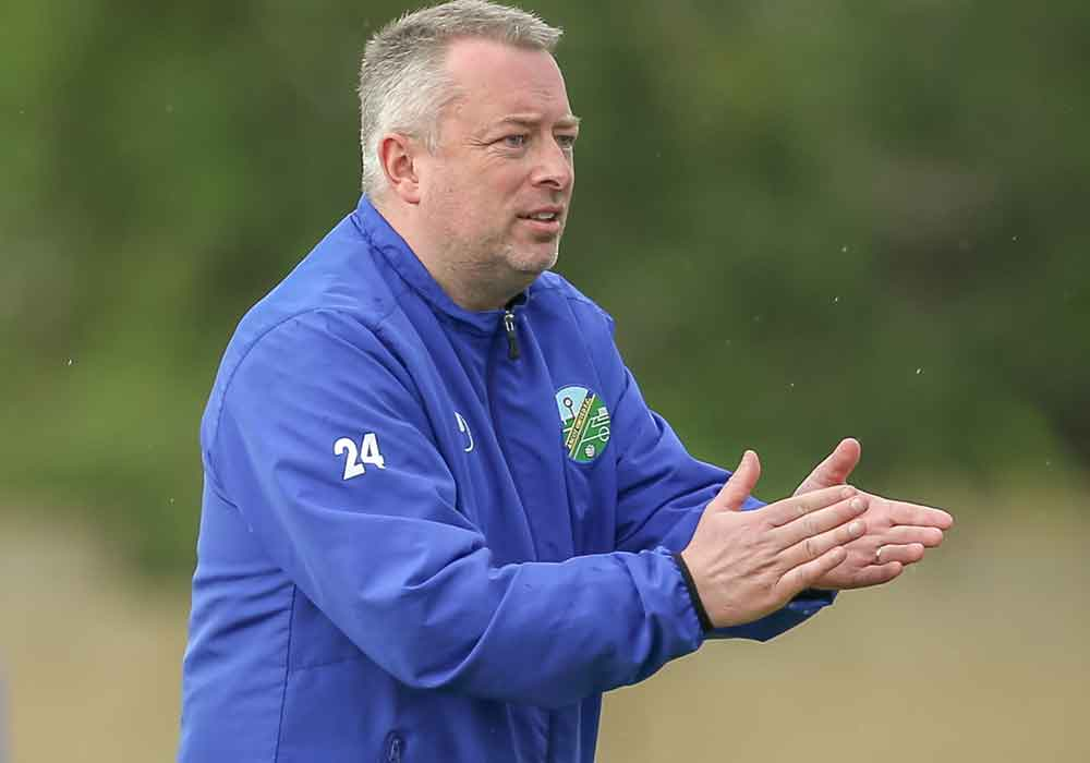 Neil Richards to move back upstairs at Ascot United