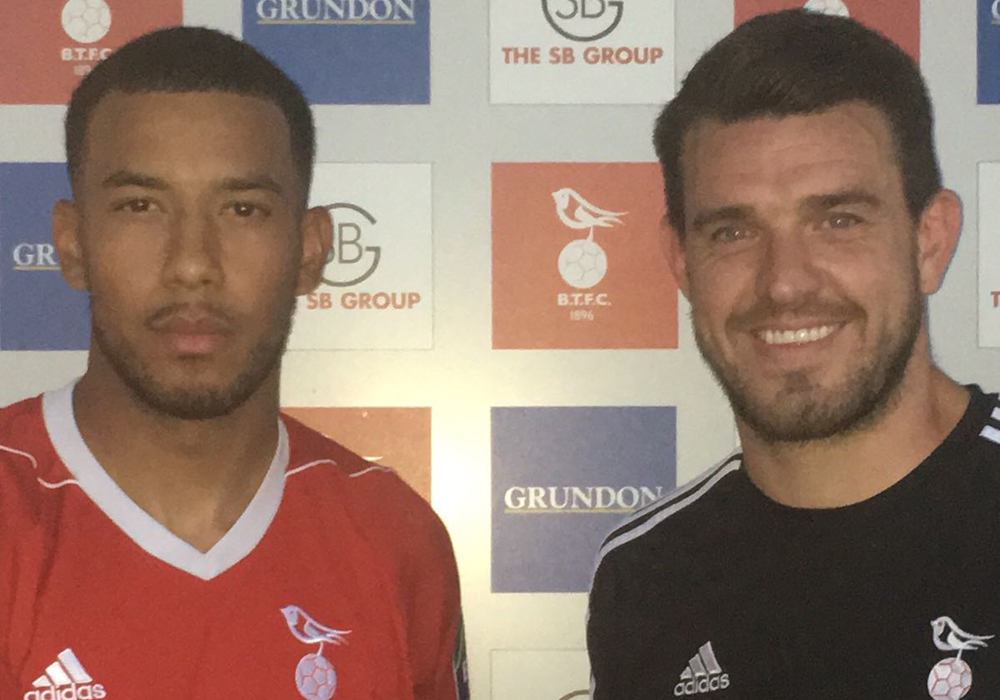 Ash Artwell among new Bracknell Town trio