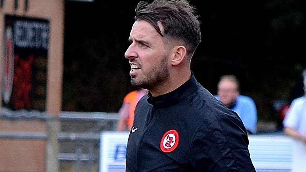 Michael Herbert resigns as manager of Sandhurst Town