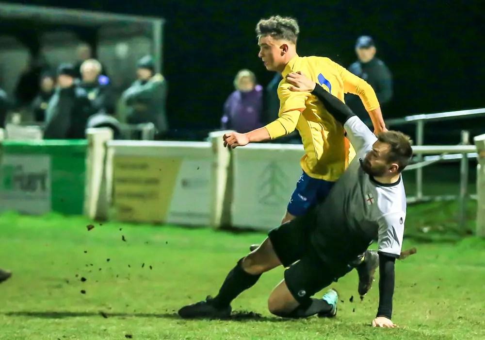 Ascot United vs Shrivenham. Photo: Rob Mack/Shooting Stars.