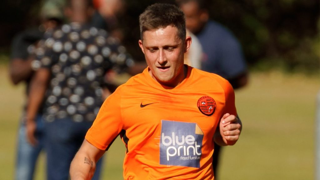 Ben Broadhurst signs for Wallingford and all the Hellenic League player registrations 12/2/2020 to 20/2/2019