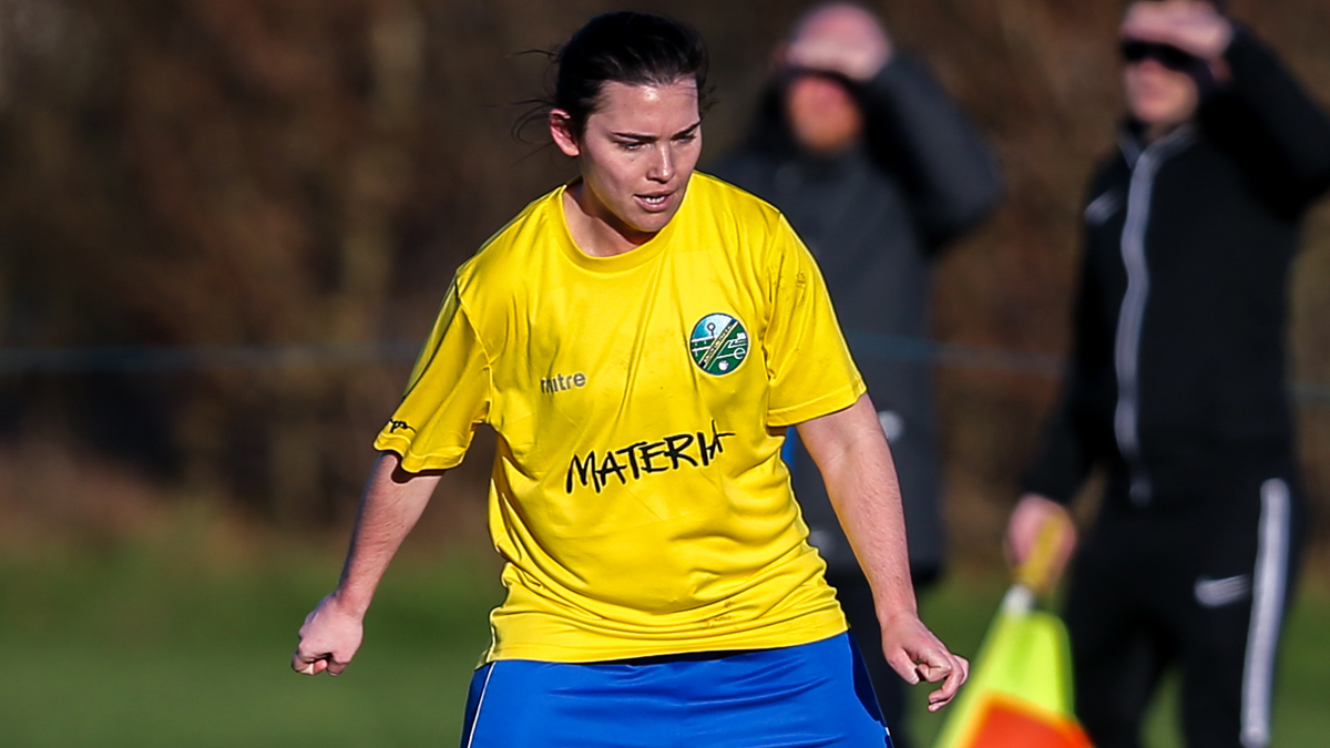 Ascot United Ladies take on Wycombe Wanderers in SRWFL clash