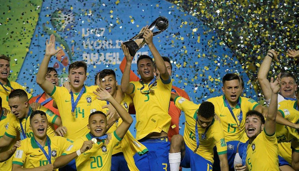 इन्जुरी समयमा विजयी गोल : ब्राजिलले जित्यो विश्वकपको उपाधि