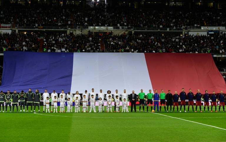 The Real Madrid Faithful pays tribute to the victims of the Paris terror attacks.