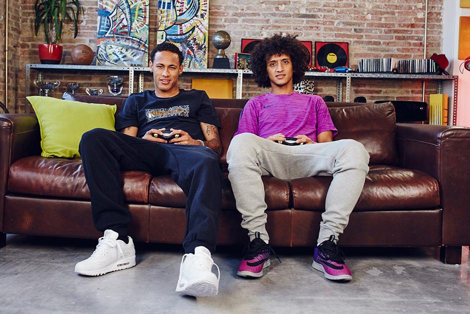 Omar Abdulrahman with Neymar