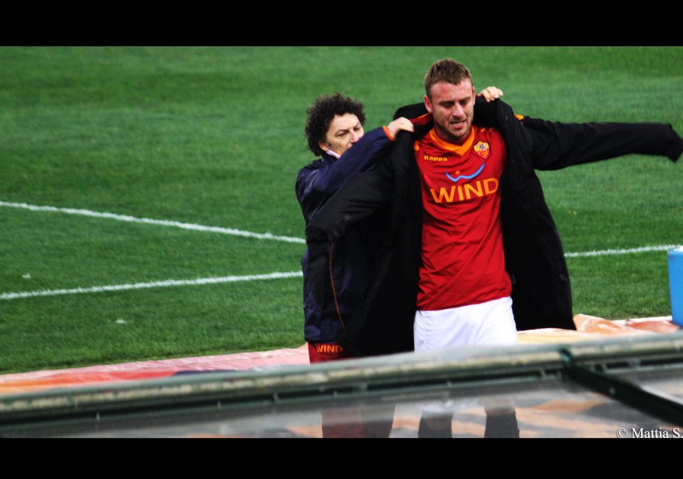 AS Roma's Lion, Daniele De Rossi, was run ragged by The Redmen in the first leg, and the difference in pace could hurt the hosts badly in the second.
