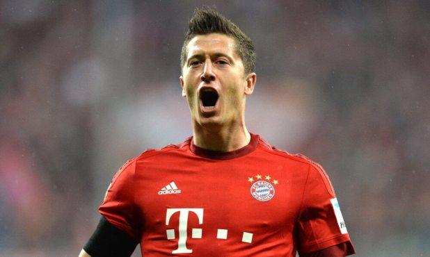 Bayern Munich striker Robert Lewandowski photo