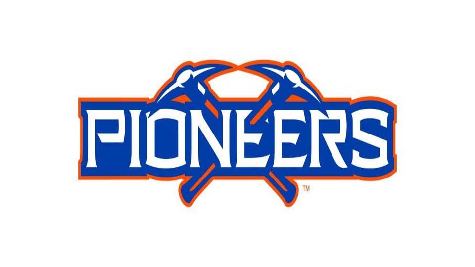 UW-Platteville Pioneers Spread Offense (2010) - Mike Emendorfer