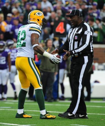 Umpire Ruben Fowler (John Biever/Packers)