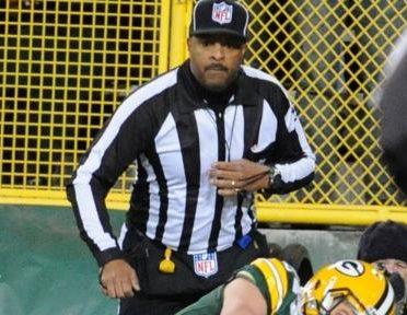 Field judge Adrian Hill (Jim Biever/Packers)