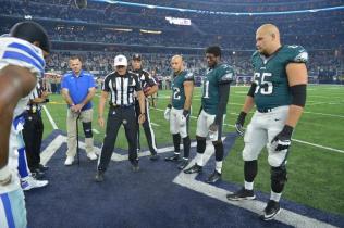 Referee Ed Hochuli (Philadelphia Eagles)