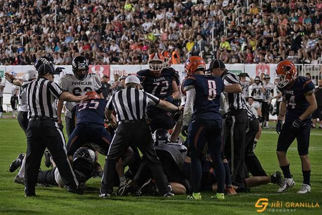 You make the call czech bowl xxiii ends on controversial we must be really starving for football because we are resorting to a call made in the czech league of american football czech bowl xxiii was held on fandeluxe Image collections