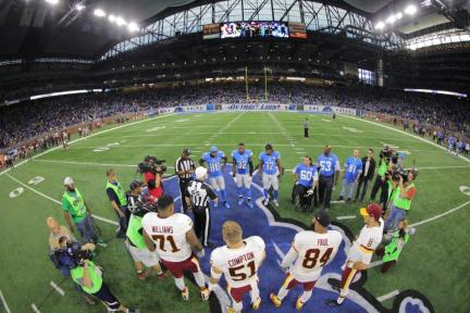 Walt Coleman conducts the coin toss (Detroit Lions)