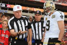 Walt Anderson conducts the coin toss (New Orleans Saints)