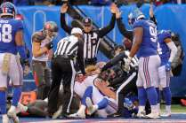 Shawn Smith's crew gets to the bottom of a fumble scrum (New York Giants)