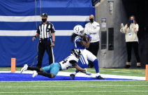 Dyrol Prioleau staying with his keys and not ball watching (Indianapolis Colts).
