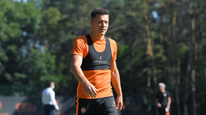 """""""Miner"""" held an open training session and passed tests for COVID-19 on the eve of the match with """"Wolfsburg"""" (Photo) - image 6"""