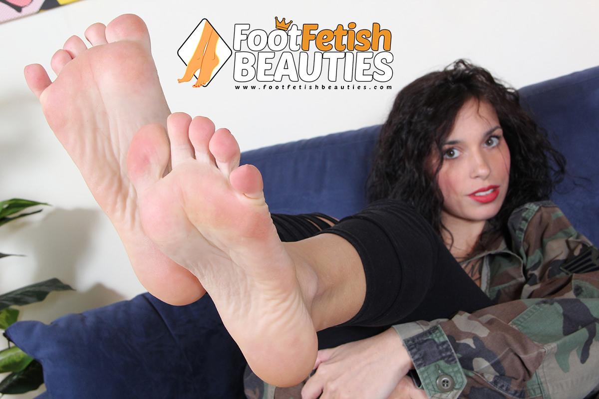 Dolly - feet