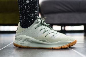 Under-Armour-Curry-4-Low-Grove-Green-On-Foot