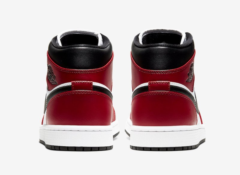 Air Jordan 1 Mid Chicago Toe 554724 069 Now Available Foot