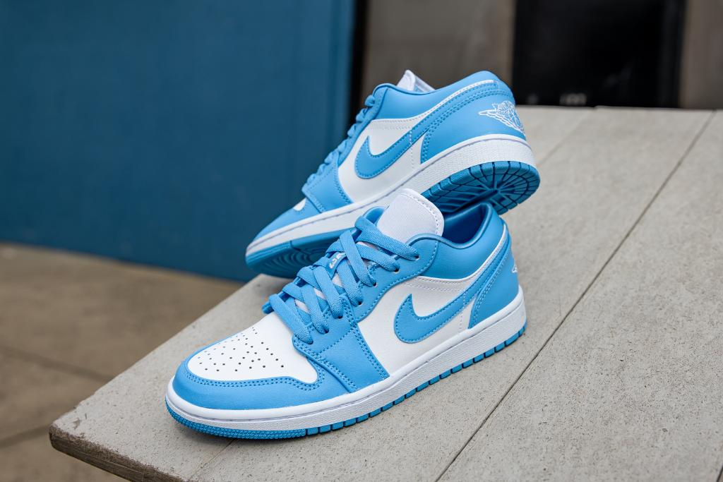 Air Jordan 1 Low Unc Restock Foot Fire