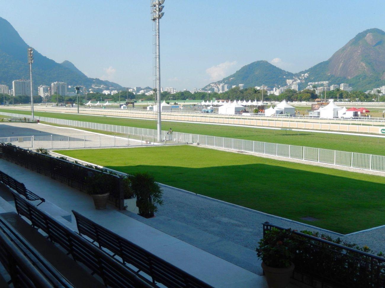A Lazy Sunday at the Jockey Club Rio 3 - Footloose Lemon Juice
