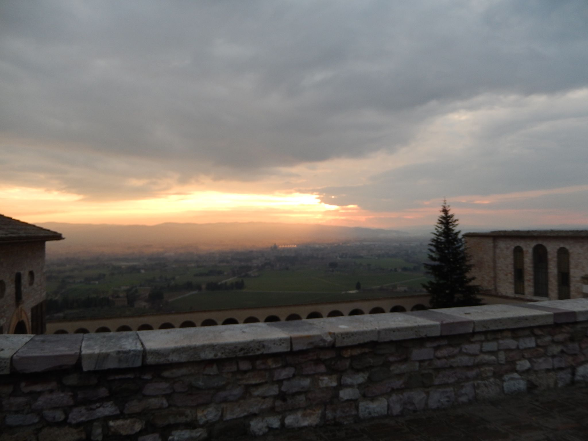 Assisi Sunset Umbria Footloose Lemon Juice
