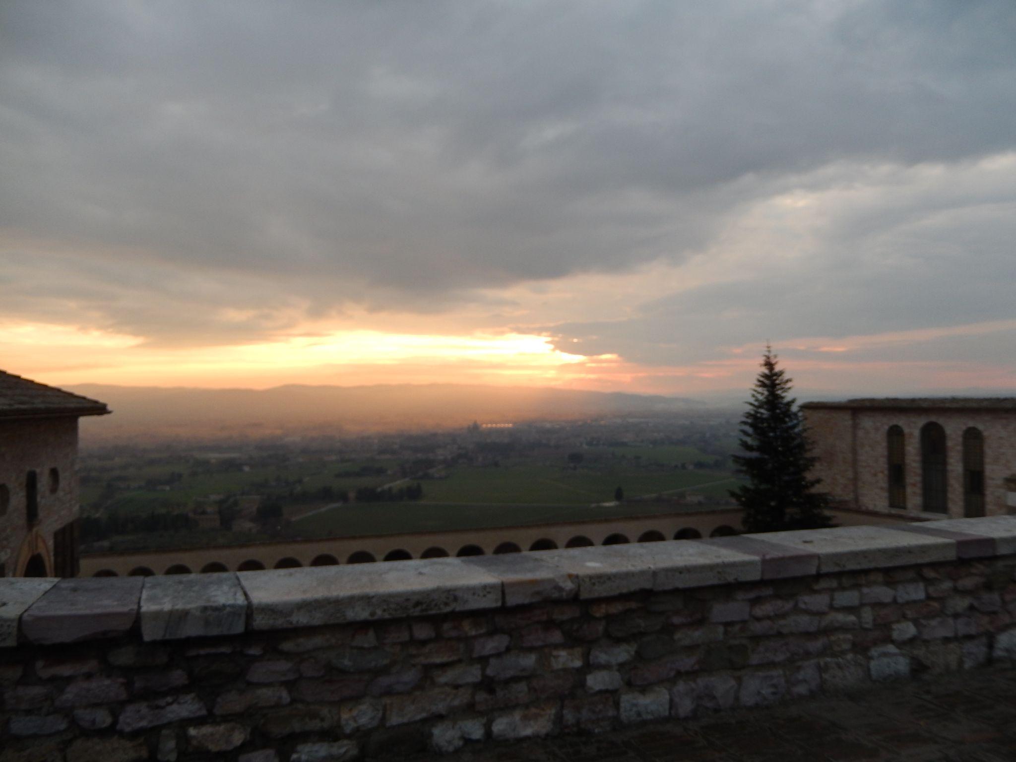 Assisi Sunset Umbria Footloose Lemon Juice