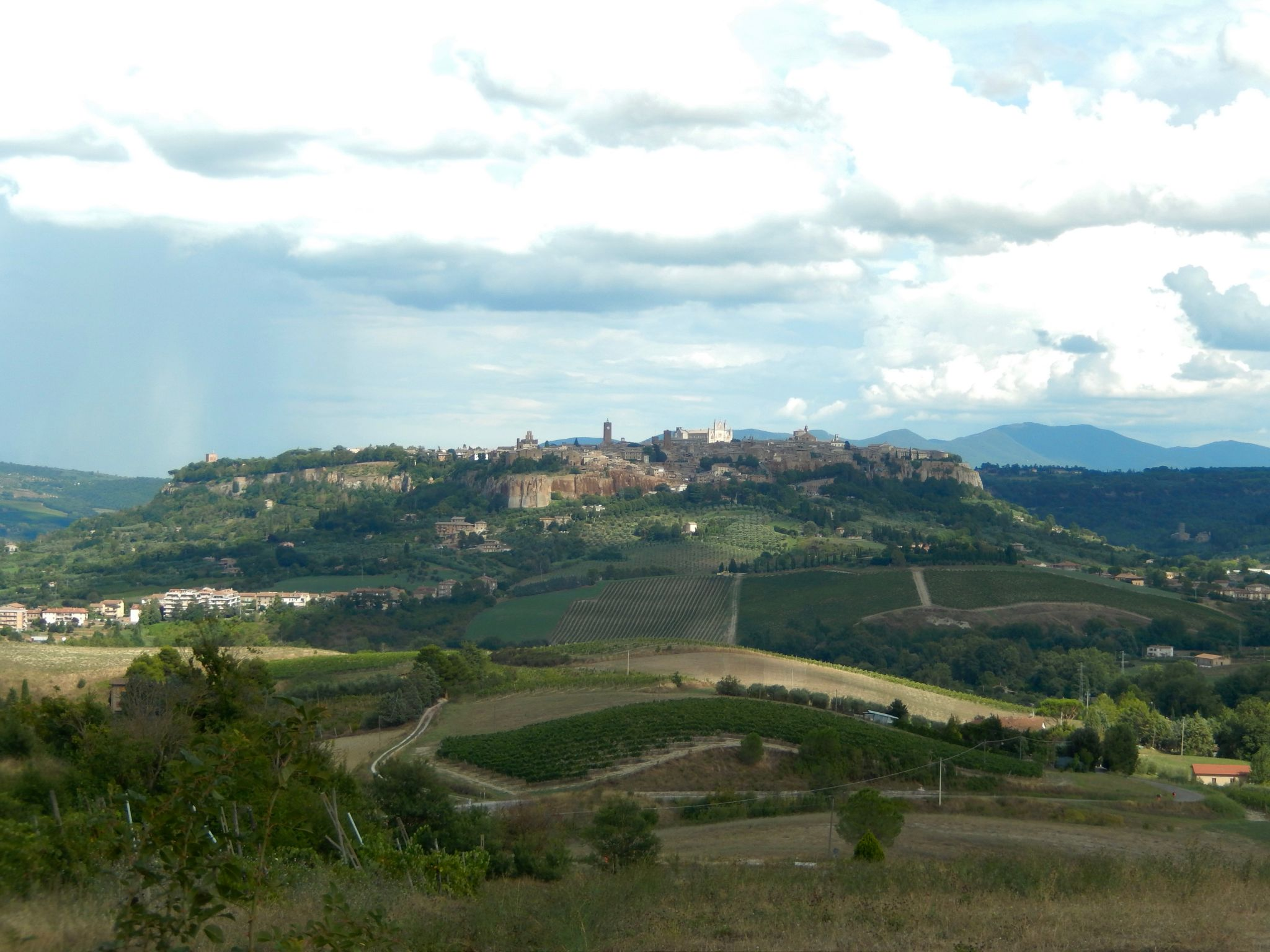 Orvieto Advice on Living in Italy by Footloose Lemon Juice