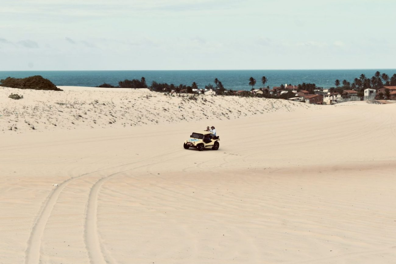 Sand-dune-buggy-Cumbuco-Ceará