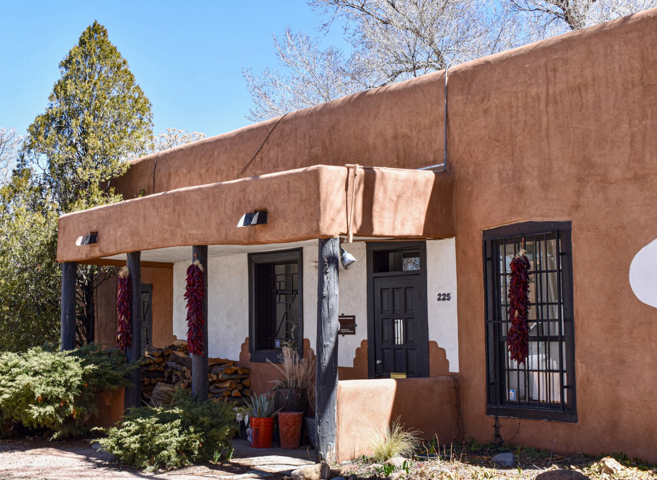 Santa Fe adobe house on New Mexico road trip.