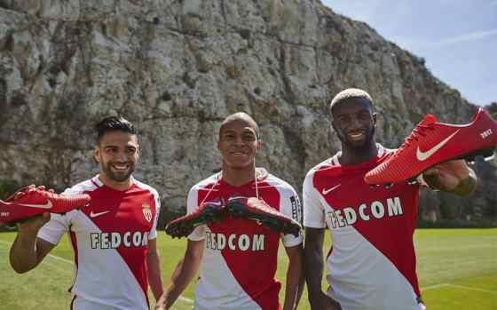 football-shoe-nike-ID-as-monaco-champion-de-france