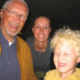 2004 Hugo med sin morfar & mamma