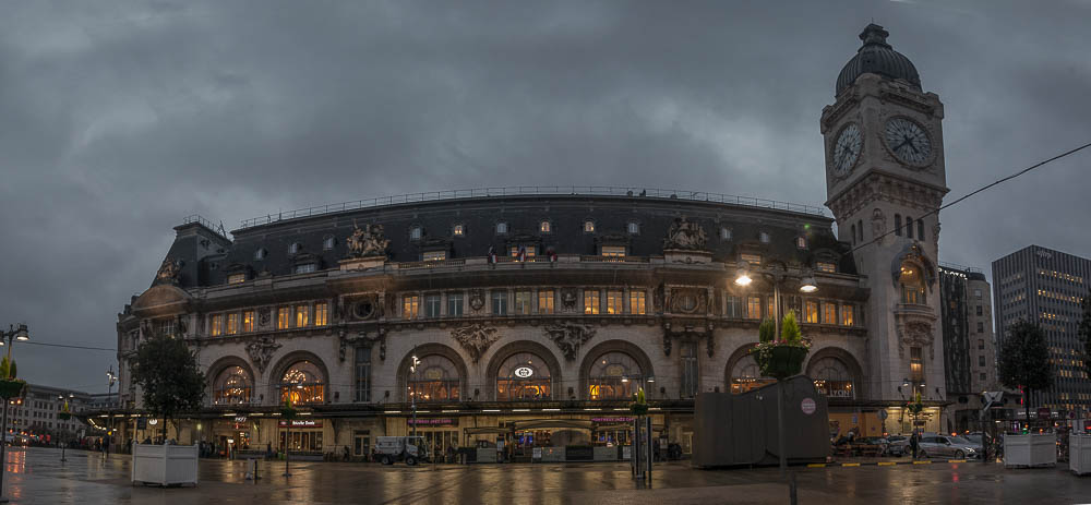 Gare_de_Lyon_train_Station_Paris