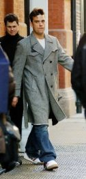 Robbie Williams nel 2003 | © Mark Mainz / Getty Images