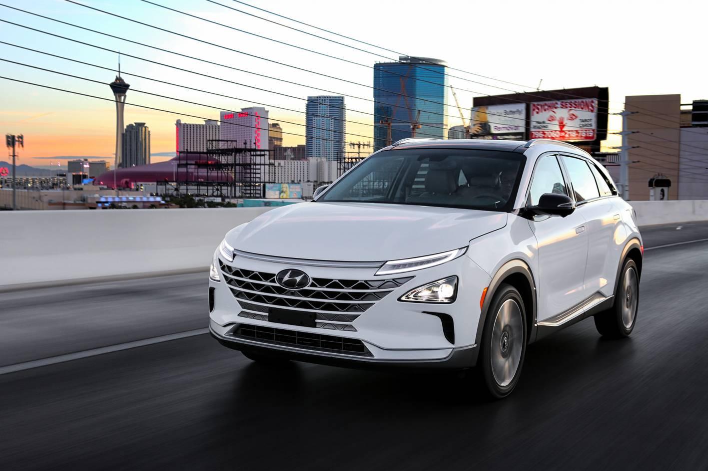 Hyundai Unveils NEXO Fuel Cell Vehicle With 800km Range