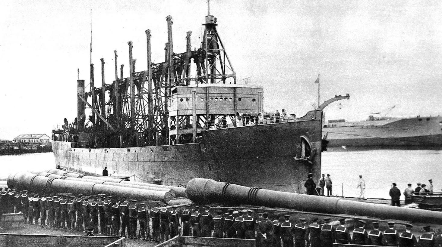 Christmas 1914 Santa Claus Ship Arrives In Britain