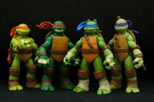 Contest!  Win a Set of TEENAGE MUTANT NINJA TURTLE Figures!