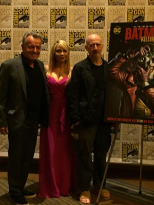 Azzarello with Ray Wise and Tara Strong.