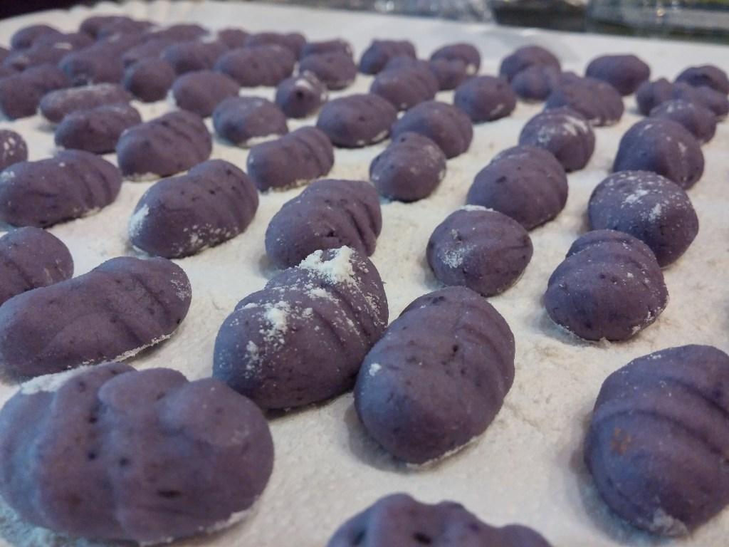Gnocchi di patate viola, la tradizione con un tocco glam