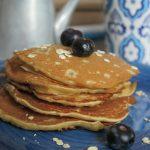 Pancakes vegan con licoli e fiocchi d'avena