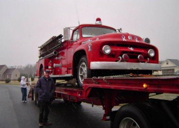 JG1098's 1954 F-750 Fire Truck