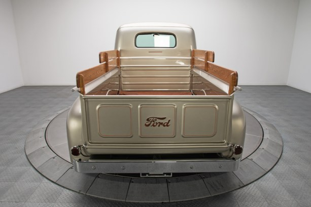 1949-Ford-F1-Pickup-Truck_289342_low_res
