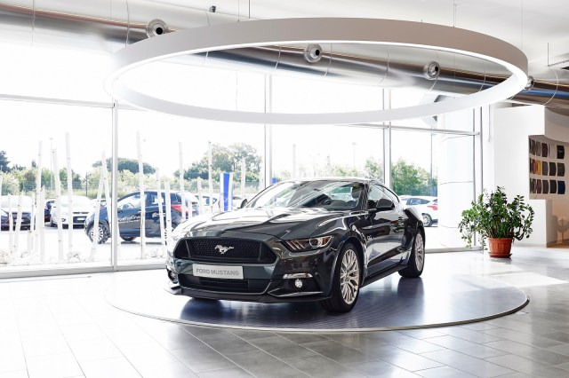 FordStore-Rome-5